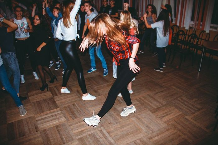 dance russia Party - Social Event Fun Dancing Full Length Lifestyles Friendship Group Of People Women Leisure Activity People Indoors  Motion Nightclub Social Gathering Nightlife Adult Dance Floor Young Adult Modern Young Women