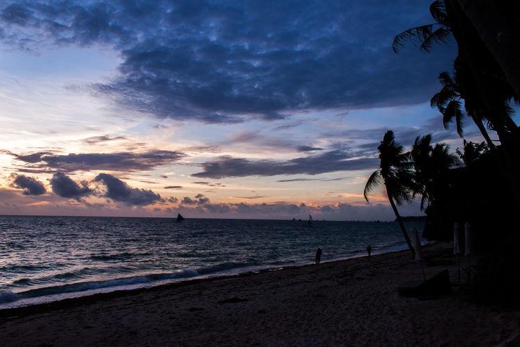 보라카이 Sea Beach Sunset Sky Sand Beauty In Nature Water Nature Cloud - Sky Scenics Outdoors Tree Tranquility Tranquil Scene Horizon Over Water Palm Tree Vacations No People Milky Way Day Boracay