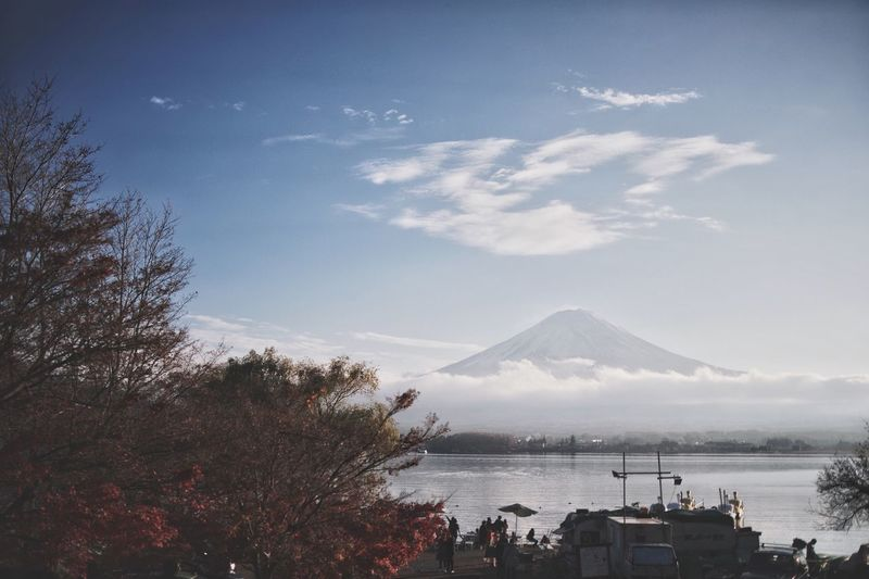 Vscocam Light And Shadow Japanese  Streetphotography Nature Bokeh Water Sky Mountain Tree Cloud - Sky Sea Plant