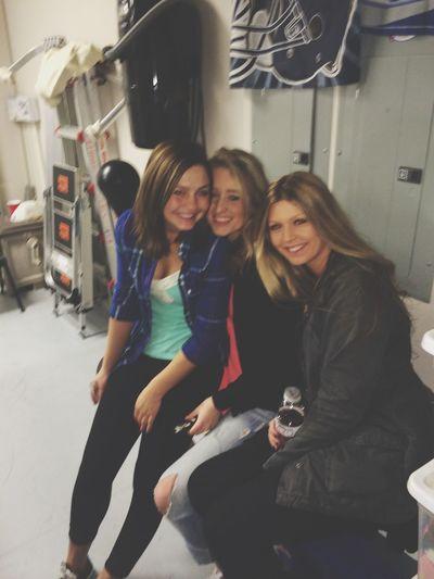 Friendsies Garage Party Girls Flannel Corona