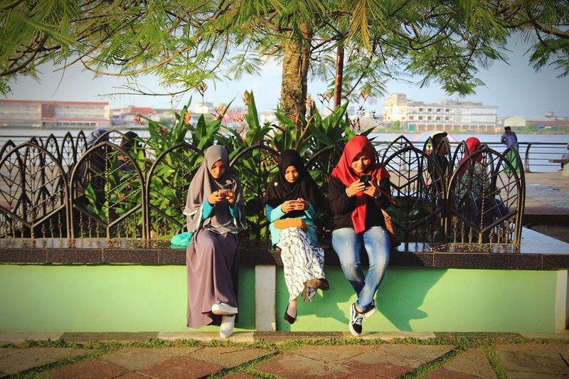 Don't look the smartphones guys its not good for you People Together Taking Photos Hanging Out Check This Out Hello World Enjoying Life Moeslimwomen Photography In Motion INDONESIA Visitindonesia Pictureoftheday