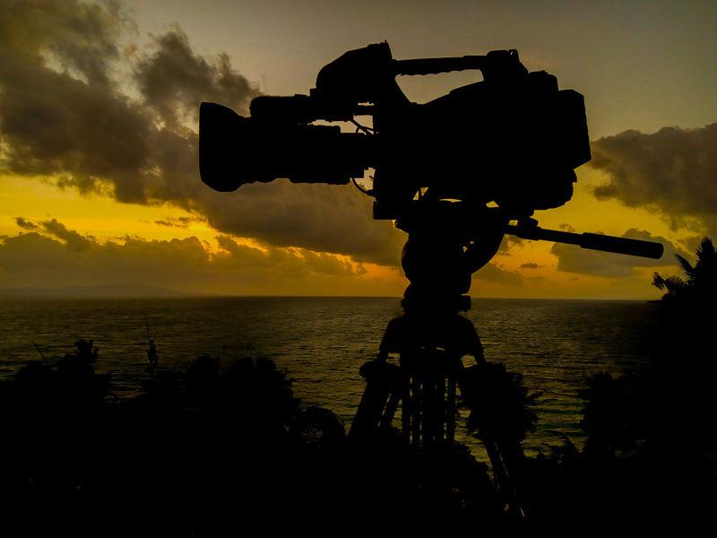 CloudySilhouette Water Sky Cloud - Sky Outdoors Beach Beach Life Camera Camera Work Videographer Video Camera Videomaker News On TV Video Blackandwhite Documentary Film