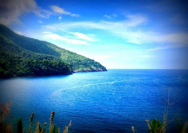 Speechless.... I took this photo in Camiguin island, I had to stop the vehicle just to take picture of this amazing view Camiguin White Island Camiguin Amazingview Nature_collection Nature Itsmorefuninthephilippines ASIA The Traveler - 2015 EyeEm Awards The Great Outdoors - 2015 EyeEm Awards Summertime