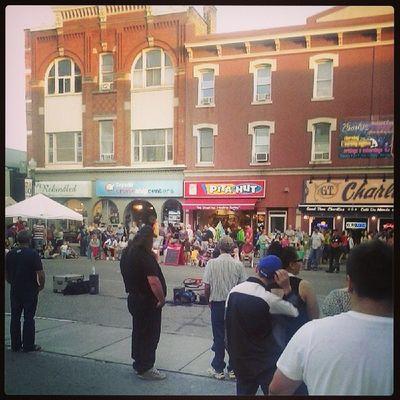 Woodstock streetfest Buskers