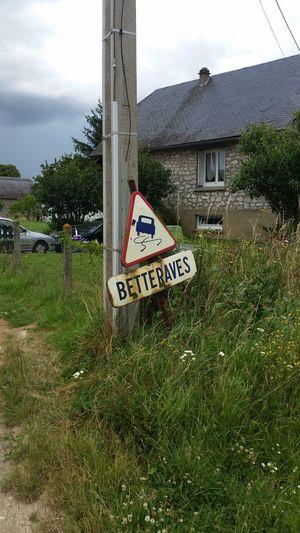 C'est incroyable de voir ça ! Vieux Panneau De Circulation Surprising France