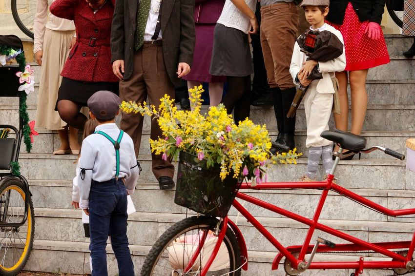 Tweed Ride, back in the 40's...! Event today in my city. Bicycles Bikes Brazil Day Events Feet Fun Kids Ladies Ladies Fashion Old Fashion Style People Photography Shoes Sport Sunday Afternoon Tweed Ride Tweed Run Vintage Vintage Cars Women