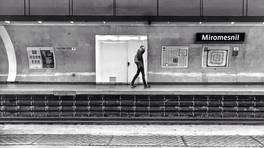 Alone in Miromesnil Metro Station 😀🚈 Paris France Rail Transportation Railroad Station Lifestyles Standing Men EyeEm Best Shots EyeEm IPhone Photography Iphonephotography Mobilephotography Iphonegraphy IPhoneography Iphonographie EyeEm IPhoneography Iphoneonly IPhotofr Photooftheday Blackandwhite