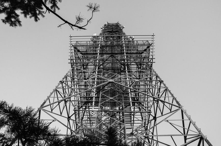 Aliens On The Top Of A Mountain - Gdynia 6 September 2016 ( Nikon D7000 ) Architecture Bnw Bnw_captures Bnw_collection Bnw_planet Bnw_society Bnw_worldwide Bnwphotography Built Structure Clear Sky EyeEm Best Edits EyeEm Best Shots EyeEmBestPics Gdynia Low Angle View Observation Deck Observation Point Observation Tower Outdoors Poland Sky Tower Tree