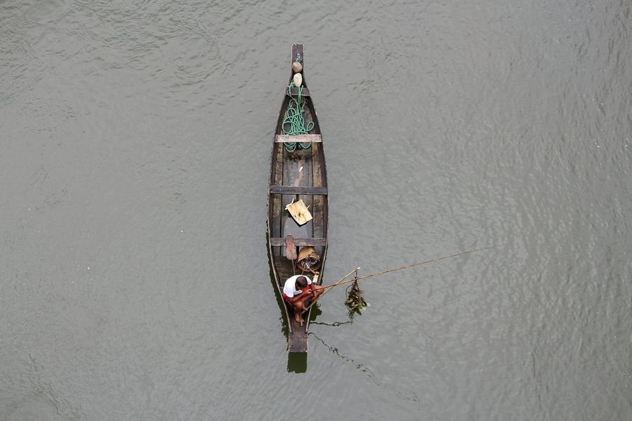 Be. Ready. Lake Outdoors Day No People Water Nautical Vessel Netgeotravel Netgeoindia This Is India! <3 India Fishing Village Man Fisher Lifestyle Lifestyle Photography Meghalaya Northeast India Incredible India The Photojournalist - 2018 EyeEm Awards The Great Outdoors - 2018 EyeEm Awards
