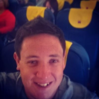 Aeroplane Selfie Monarch No1listens delays engineer engineering Greece Gatwick holiday 2014 summer yellow blue airbusA320
