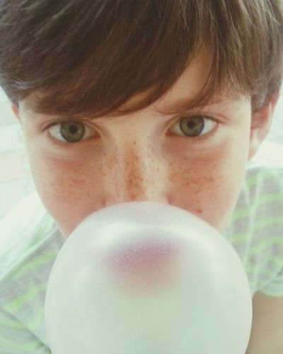 bubble The Portraitist - 2015 EyeEm Awards Eyemphotography With Smartphone The Illusionist The Moment - 2015 EyeEm Awards