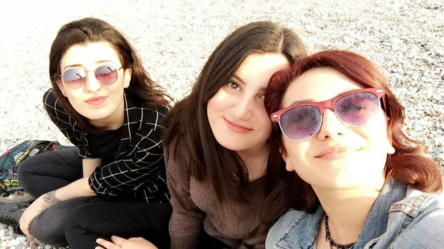Sunglasses Selfie Portrait Friendship Looking At Camera Happiness People Fun Model Photography Nature Fun Self Portrait Happy Blackandwhite Beauty Street Fashion Sweet Evil Crazy Beautiful Woman Beautiful People Devil Handmade Jewellery First Eyeem Photo