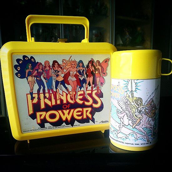 My two favorite Vintage Lunchboxes are the red Ateam one (previous post) and this Princessofpower beauty made by Aladdin . Shera Motu Mastersoftheuniverse Mattel Mattycollector 80scartoons 80sTV 80schild 80sKid 80stoys 80spopculture Ilovethe80s Toycommunity Toygang Retro Vintagelunchboxes Toycollector Collectibles Pop Popculture