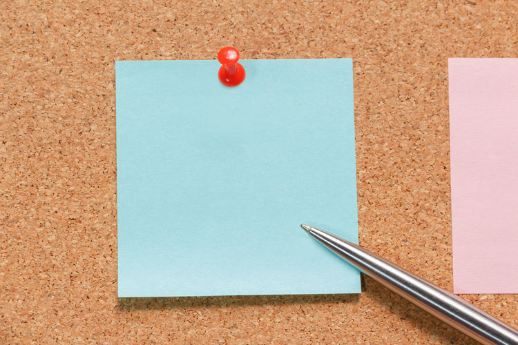 Adhesive Note Blank Blue Bulletin Board Close-up Copy Space Food Indoors  No People Office Office Supply Paper Pen Red Reminder Still Life Straight Pin Thumbtack White Color