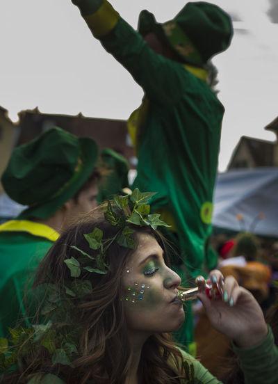 Carnevale Carnival Carnival Crowds And Details Drinking Elf Green Green Color Karneval People People Photography People Watching Peoplephotography