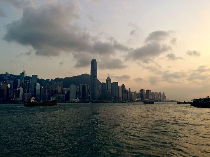 Sky And Clouds IPhoneography Light And Shadow Buildings & Sky Dusk In The City Victoria Harbour Hong Kong Skyline