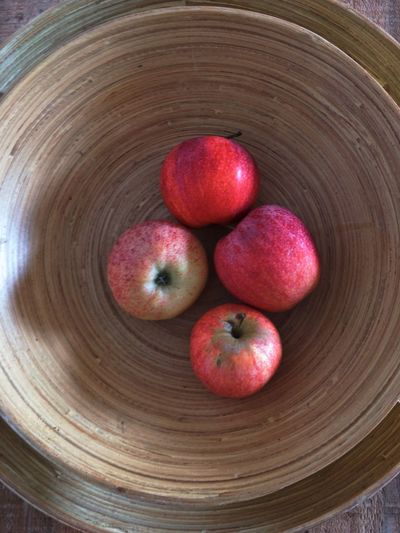 Apple - Fruit Apples Bowl Bowl Of Apples Close-up Container Directly Above Food Food And Drink Freshness Fruit Group Of Objects Healthy Eating High Angle View Household Equipment Indoors  No People Organic Red Ripe Still Life Wellbeing Wood - Material