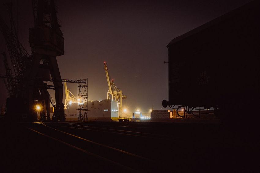 EyeEm Best Shots Hamburg Harbour Light New On Eyeem Water Reflections Crane - Construction Machinery Fright Illuminated Night No People Outdoors Sky Squeezerlens