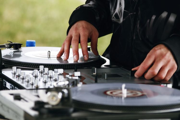 Streetphotography Streetball Human Hand Mixing Dj Music Arts Culture And Entertainment Skill  Club Dj Recording Studio Turntable Record Producer