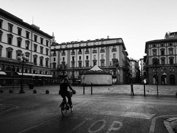 Enjoy the silence Walking Around Morning Silence City Blackandwhite Monochrome Life Escaping Go To Work Road