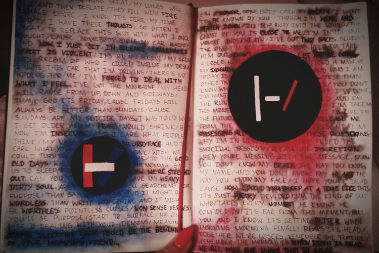 TwentyOnePilots Blurryface Vessel Music Lyrics Scribble Red Blue