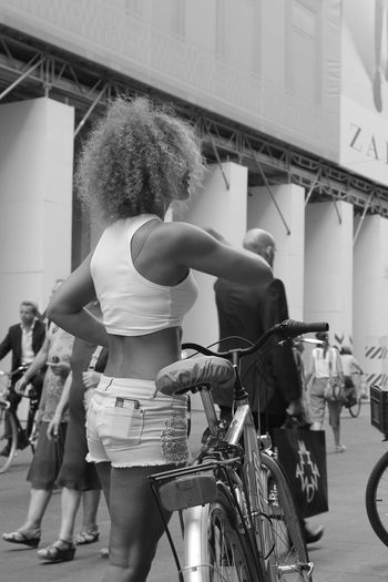 Bicycle Standing People Adult Adults Only Real People Young Adult Day One Person City Tourism Summer Italy🇮🇹 Italianlandscape Beautiful ♥ Streetphotography Outdoors Travel Destinations Building Exterior EyeEm Selects Architecture Photooftheday Milan,Italy