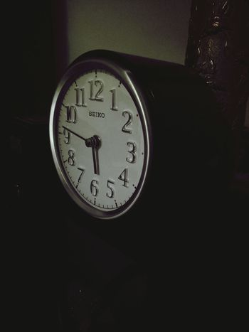 Clock Face Clock Indoors  Time Old-fashioned No People Hour Hand Minute Hand Reflection Instrument Of Time Day
