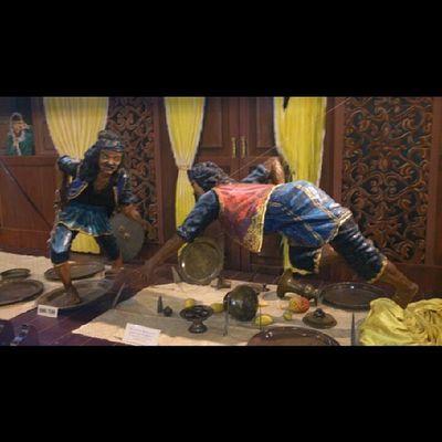 Tuah & Jebat (The Great Fight of Malay Warriors). MenawanMelaka Travelogika Parti