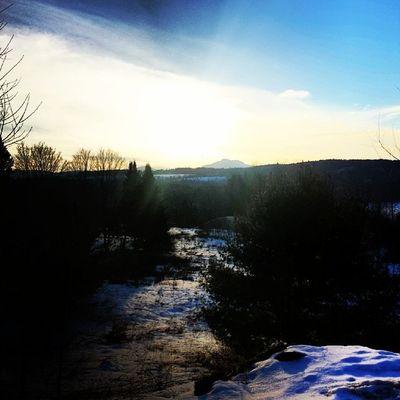 Ah, the wonders of nature... Vt Vtphoto Vermont Vermontbyvermonters greenmountainstate instagood photooftheday igvermont ignewengland cloudporn cloudscape beautiful blueskies instagallery instagramusa ig_treasures vtshots stowevt winter camelshump