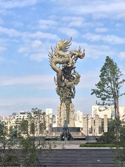 Sculpture Art And Craft Representation Statue Sky Cloud - Sky Architecture