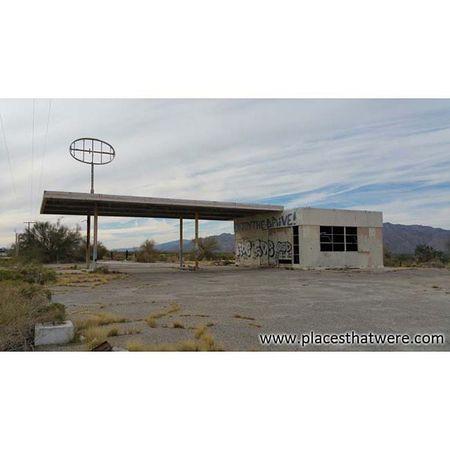 Urbanexploration Urbex Abandoned Abandonedbuilding Desertcenter Gasstation Ig_urbex