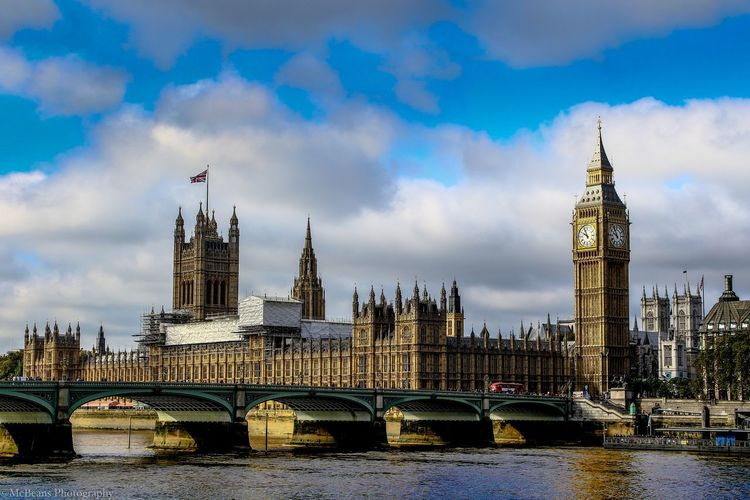 I think I don't have to explain this impressive. Big Ben Great Britain London Travel Arch Bridge Architecture Bridge Building Canon Canon Eos  City Cityscape Clock Tower Cloud - Sky Connection England Parlament River Tourism Tower Travel Travel Destinations Uk