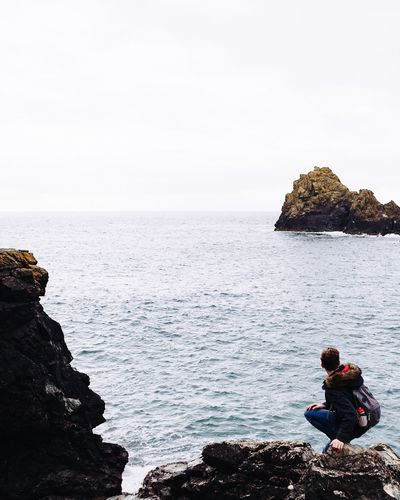 Rock hopping 🌊 Beautiful Nature EyeEm Nature Lover VSCO Vscocam Vscogood Cornwall Seascape Coastal_collection England Nature_collection