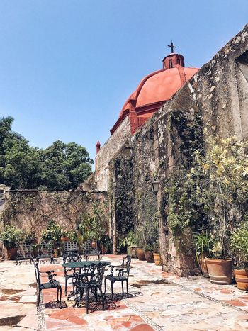 A hidden spot in a old Mexican Hacienda. Architecture Clear Sky Outdoors Building Exterior Built Structure Sunlight History Mexico Mexican Architecture Patio Secret Places Vacation Resort Holidays Relaxing Relaxation Spa Getaway