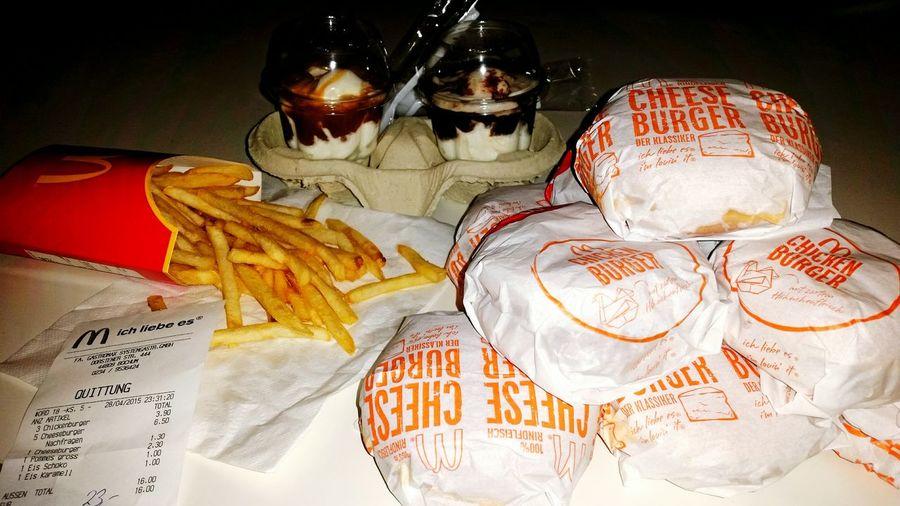 Mc Donalds Ich Liebe Es.♥  Ich Liebe Es Fastfood CheeseBurger Chicken Burger Pomfrit