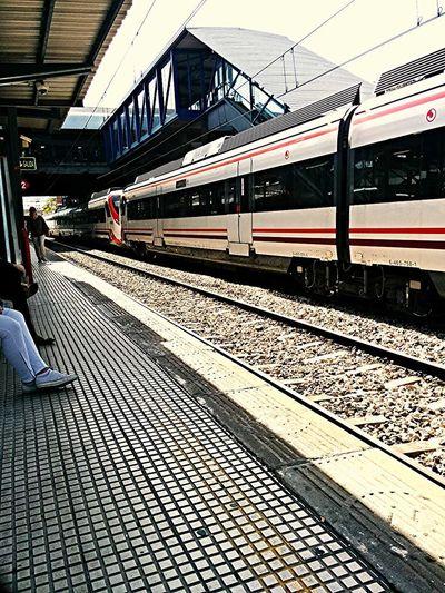 Esperando a que pase el tren adecuado Melancholic Landscapes