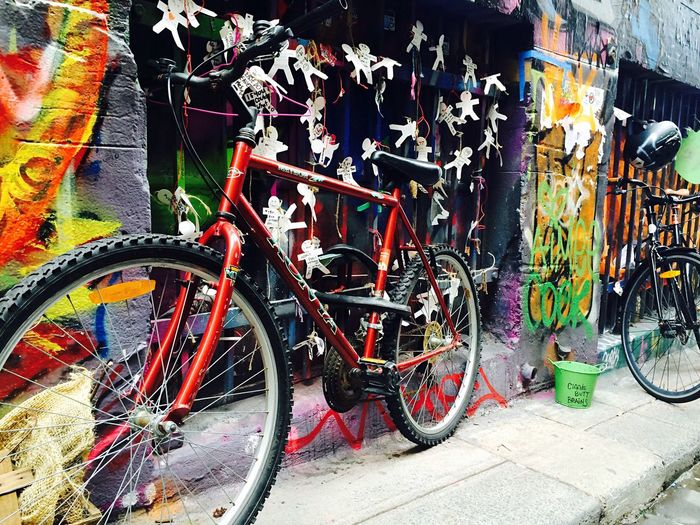 Bike graffiti Bicycle Outdoors Young Adult Mode Of Transport Melbourne 涂鸦街 Color Colorful Colour Of Life