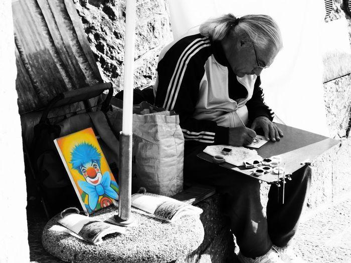 "... ""Una vita senza arte ,è come un corpo senz'anima""... #simplicity #serenity  #interesting #Streetart #sensations Emotions EyeEm Best Shots #italy Artist This Is Masculinity Visual Creativity The Street Photographer - 2018 EyeEm Awards"