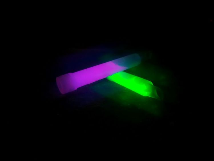Glow sticks Illuminated Green Color Glowing Black Background Neon Science No People Eyesight Night Scientific Experiment Outdoors Close-up Holographic Homemade Filter Green Color Vibrant Color Glowsticks Nightlife Luminosity