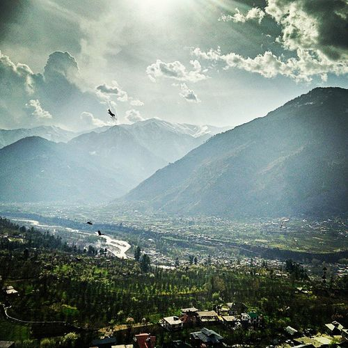 Incredible India Himachal Pradesh River Beas flowing between Mountains of Himalayas . Birds Birdstagram Birdsofinstagram Birdseyeview Landscape Sunset Clouds Dramatic Oneplus Photography Phonography