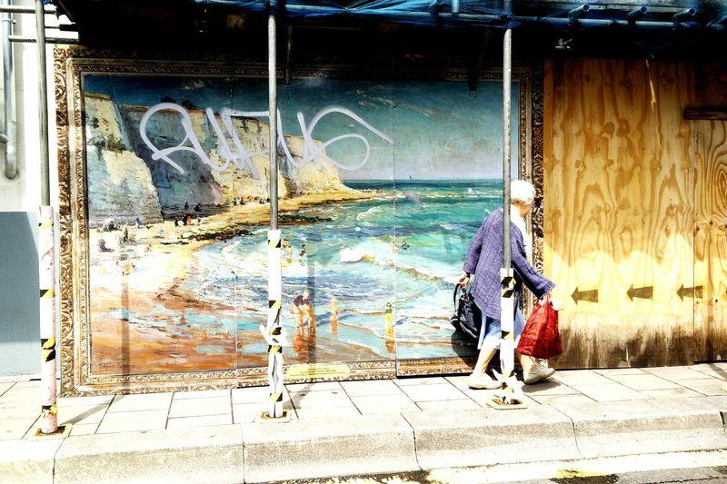Kunst Im öffentlichen Raum  Streetart Shopping Seaside