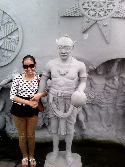 Sculpture at monas,indonesia Street Fashion