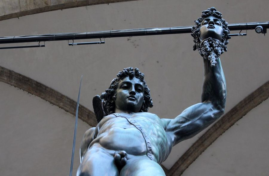 Adapted To The City Sculpture Statue Looking Up Built Structure EyeEm Statue Statues Statue In The City Live Statue Firenze Firenzemadeintuscany Firenze, Italy Story Eyeemphotography Florence Italy Florence City View  Well Turned Out