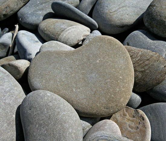 Accidentally found. Coeur De Pierre Coeur  Grey Heart Heart-shaped March Pierre Shades Of Grey Spring Stone Heart Stones Tints Of Grey каменное сердце камень камни сердце