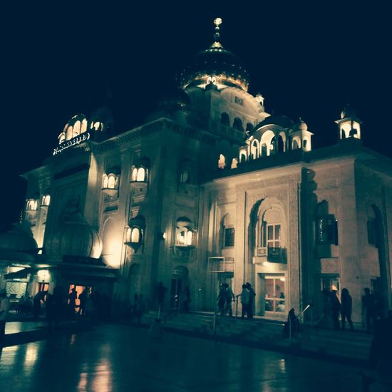BanglaSahib Bangla Sahib CannaughtPlace Temple Temple Architecture Sikh Temple Templephotography Nightshot Nightphotography Night Photography Night View