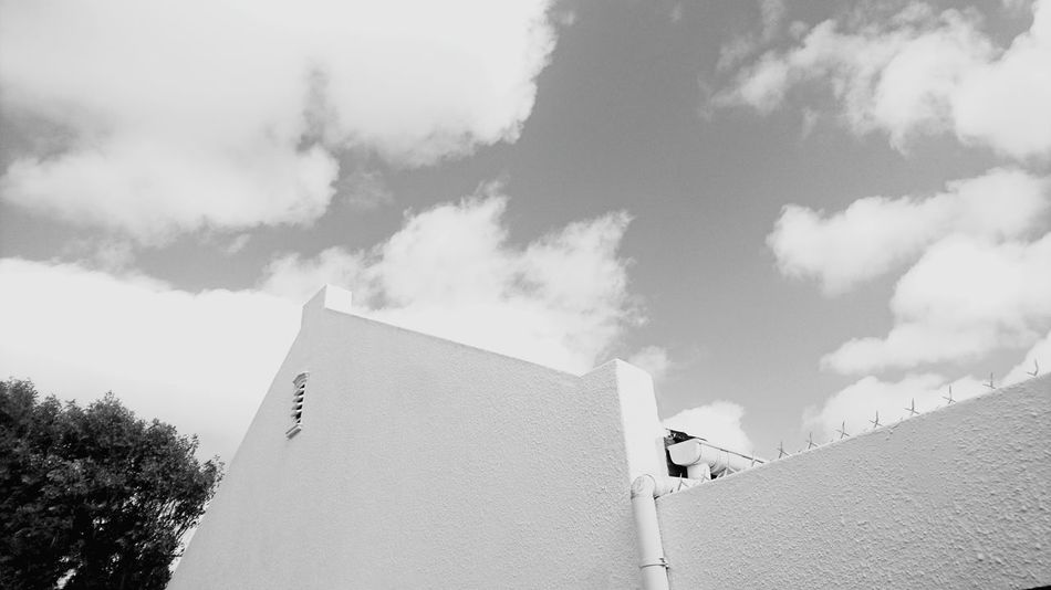 Architecture Built Structure Blue Cloud - Sky Sky Outdoors Day Sunlight Structure Blackandwhite House Of Generations Historical Building