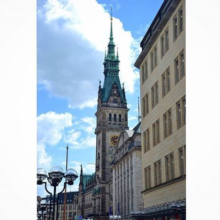 Das Rathaus. Hamburg Architecture Hamburg Hafencityhamburg Hafencity Deutschland Germany Europe Beautiful Reise Travel Traveltheworld Travel_2_germany Rathaus Igtravel Wms_germany Springingermany Spring Explore City Explorenewplaces Travelgram Instatravel Instamoment Instadaily