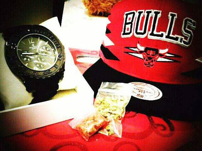 #LoudPack #BlackWatch #BullsSnapback