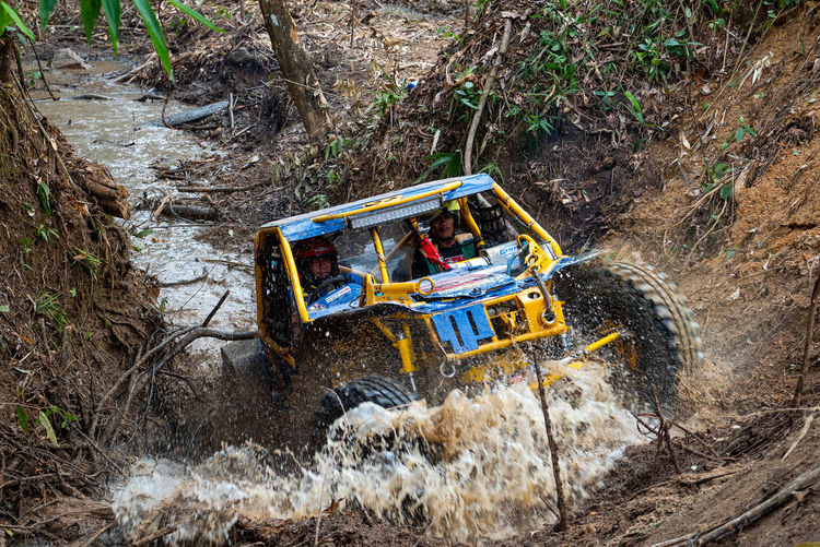 Offroad Adventure Transportation Mode Of Transportation Nature Land Motion Day Land Vehicle Construction Industry Dirt Rock - Object Earth Mover Construction Site Rock High Angle View Construction Machinery Plant Outdoors Tree Forest Solid Offroad Offroad Adventure Offroader 4x4 4x4 Off-road Team
