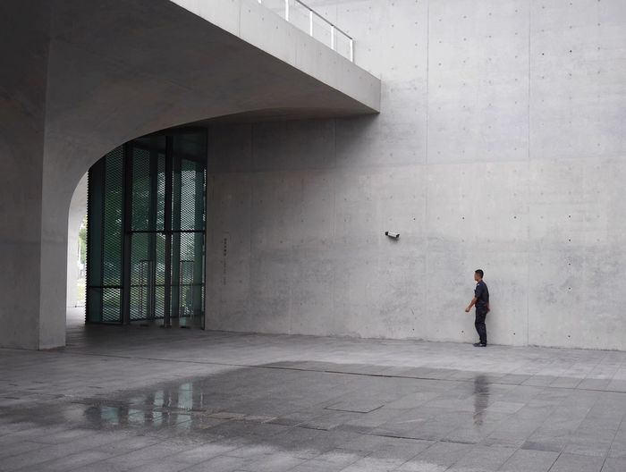 Long museum Shanghai . Miles Away Minimalist Architecture Neighborhood Map Architecture Shanghai Streets Break The Mold Concrete Breathing Space Adapted To The City The Secret Spaces Urban Geometry Close Up Technology Urban Landscape Urbanphotography Protection Architecture Architectural Feature Architecture_collection Minimalism Minimalobsession Minimal Simplicity Deceptively Simple Concrete Wall The Architect - 2017 EyeEm Awards EyeEm Ready   AI Now The Graphic City